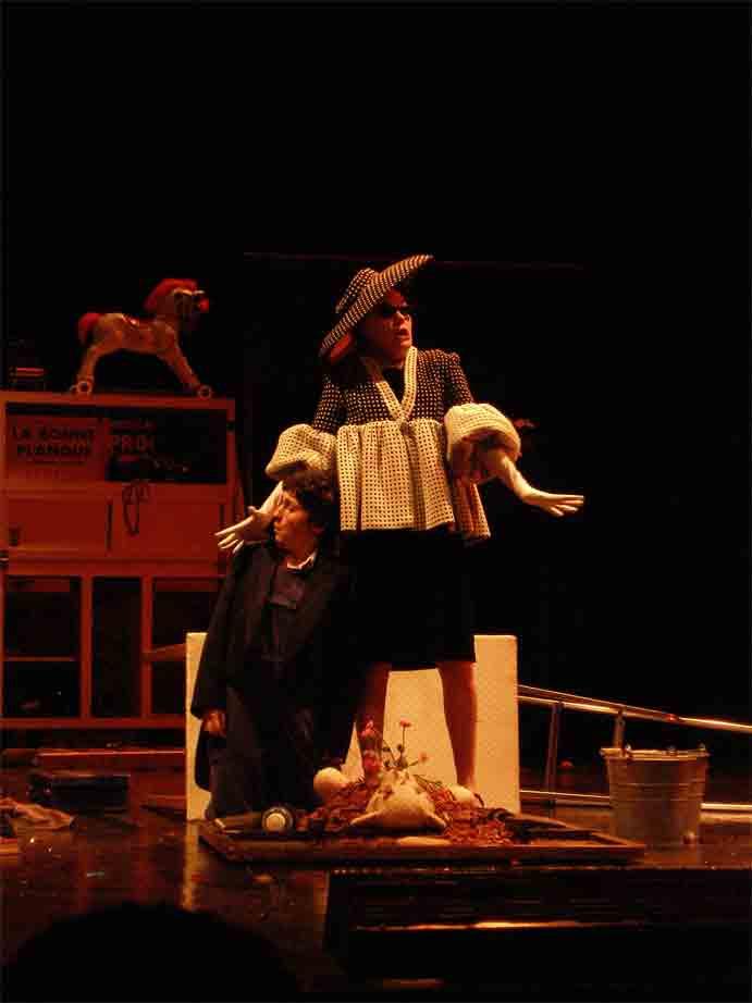 http://loudianou.free.fr/10/theatre/jojo%20(1).jpg