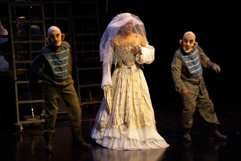 http://loudianou.free.fr/10/theatre/pourceaugnac/Pourceaugnac%20(6).JPG